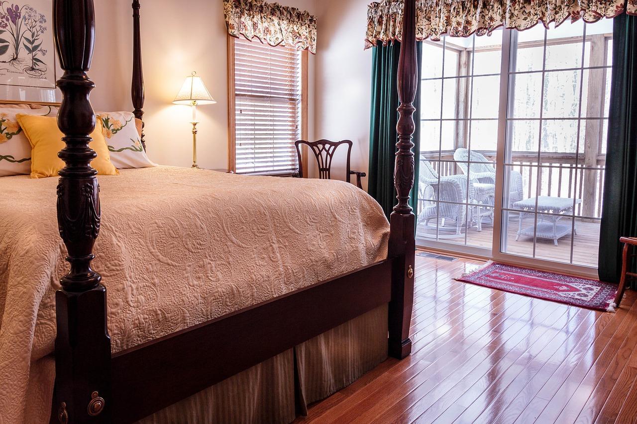 bedroom-670249_1280